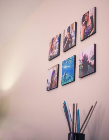 artsy-picture-tile-display